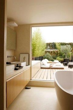 Jean Marc Palisse_baignoire-avec-vue-sur-la-terrasse