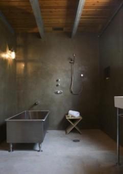 salle de bain noire tendance béton ciré