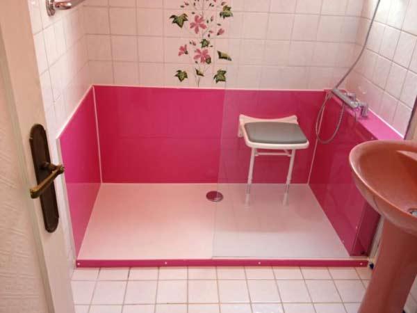 Les bonnes raisons d opter pour une douche s nior douche - Siege pour douche italienne ...